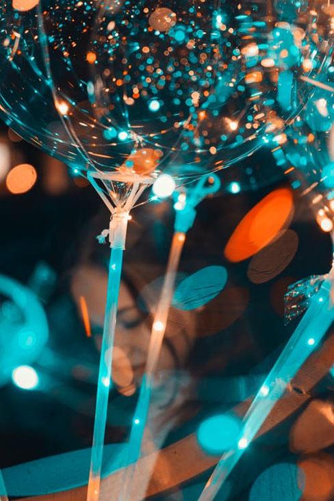 Lichter-und-Ballons-auf-einer-party